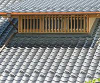 「軽量瓦」と「軽量屋根材」の違い